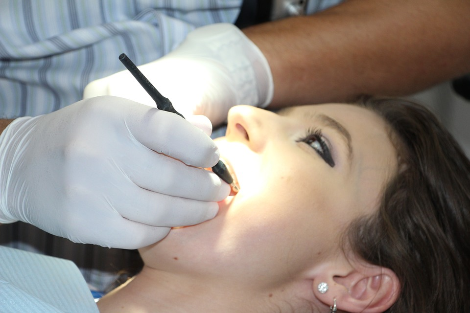 spécialiste du traitement intérieur de la dent