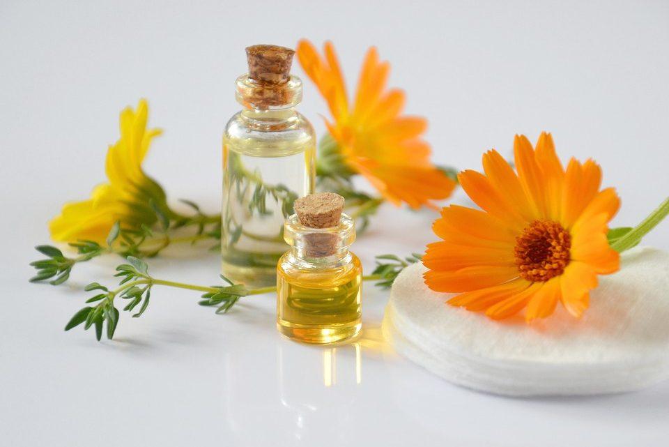Aromathérapie : tout savoir sur l'utilisation d'huiles essentielles à des fins thérapeutiques
