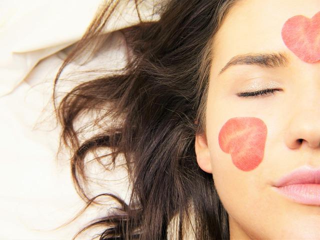 Gommage pour le visage : quelques idées de recette à réaliser soi-même
