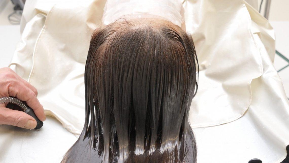Masque capillaire ou après-shampooing: lequel choisir?