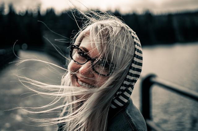 Lentilles de contact ou lunettes : quelles sont les meilleures pour vous ?